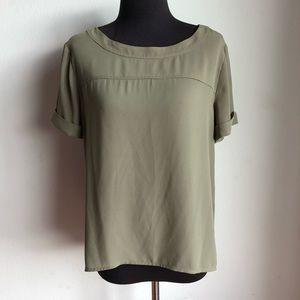 Ann Taylor Loft sz S short sleeve blouse